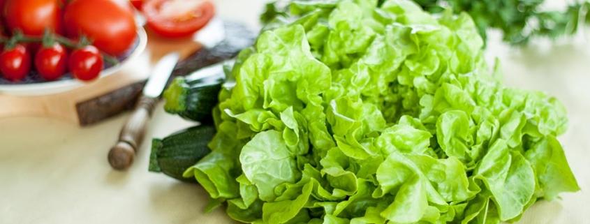 Rezepte für Kartoffelsalat, Couscous-salat und Gurkensalat mit Salatdressing