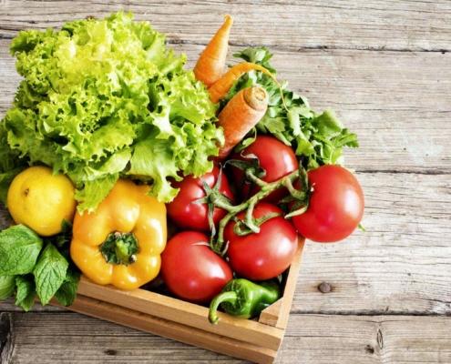 gemuese-tomate-gurke-moehre-buero-zuhause-lieferung-supermarkt-online-bio-bauerntuete-1