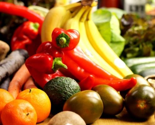 bio-obst-und-gemüse-online-kaufen-paprika-banane-clementine-tomate
